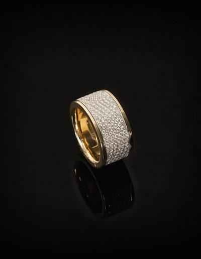 Ring aus der Collection Classic von Goldschmiede Hofacker