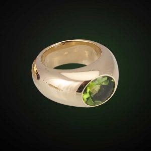 Danah-Ring mit wundervollem Peridot