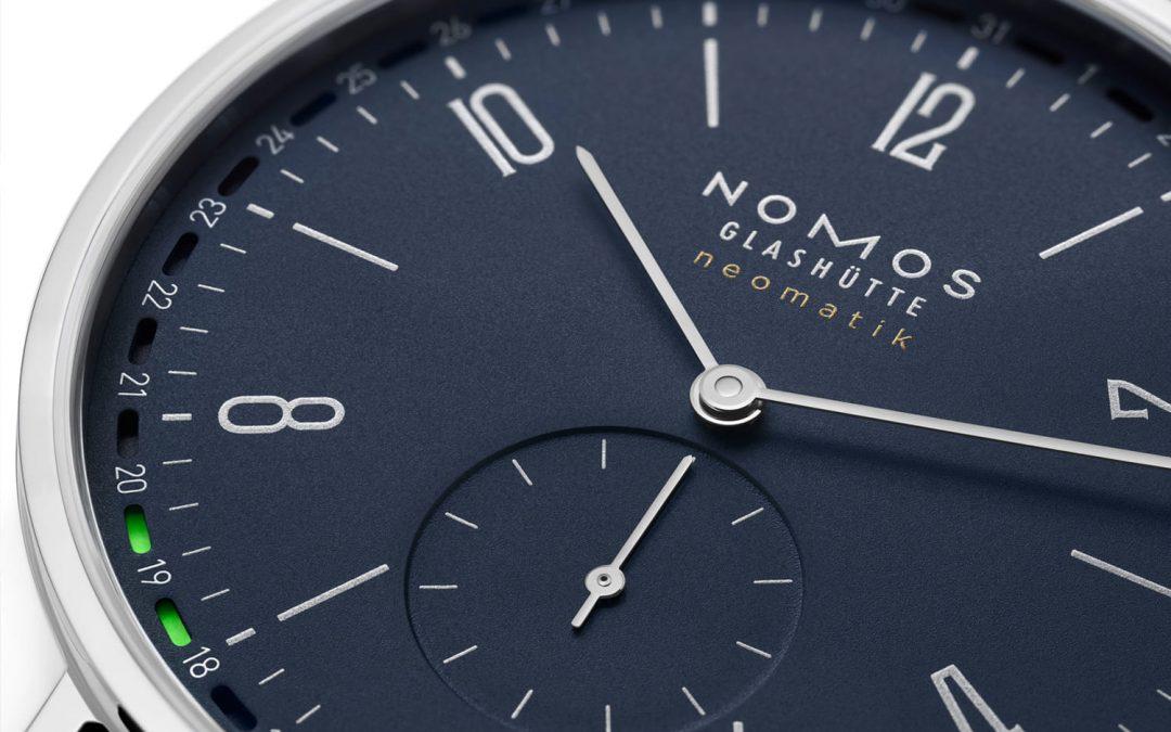 Nomos Glashütte gönnt der Tangente ein Update in Nachtblau